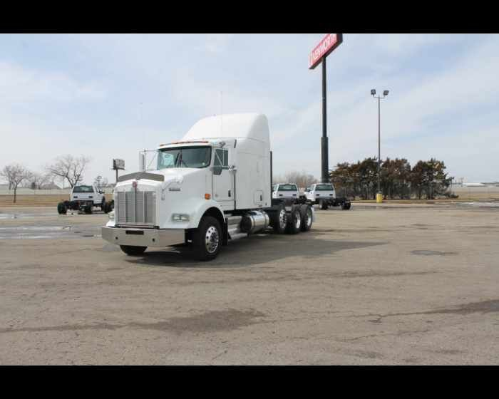 2012 KENWORTH T800   - $54500,  http://www.wallworktrucks.com/buy-used-2012-kenworth-t800-north-dakota_vid_50458_rf_pi.html