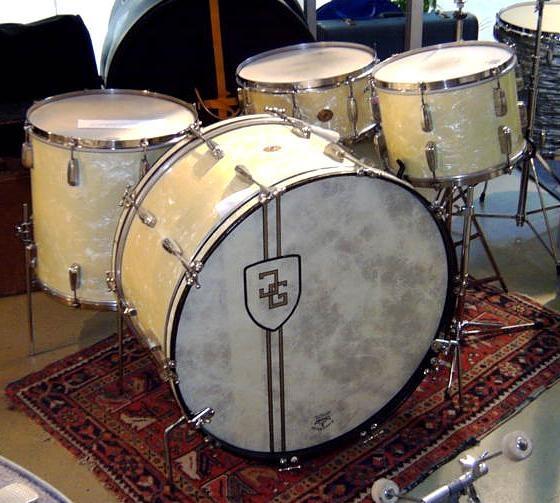 49 best images about drum kits on pinterest radios tommy lee and hardware. Black Bedroom Furniture Sets. Home Design Ideas