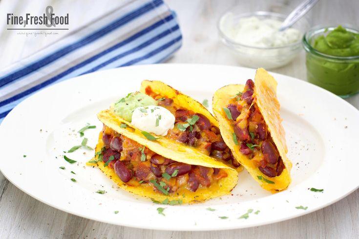 Vegetarische Tacos mit Guacamole und Sour Cream