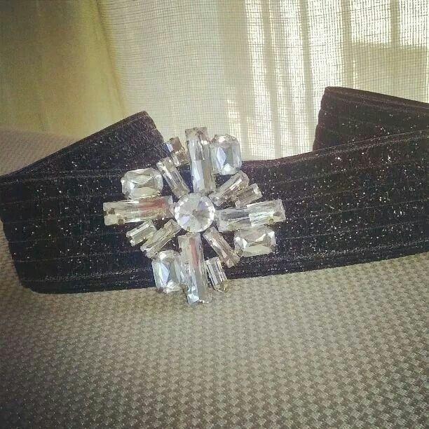 Cinturón elastico tipo joya. Disponible cuquithing@cuquithing.com