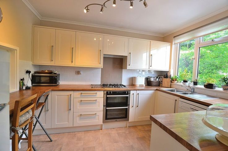 Lovely kitchen in this 3 bed town house in Highland Road #Bromley  £460,000 http://www.vincentchandler.co.uk/properties-for-sale/property/6742883-highland-road-bromley