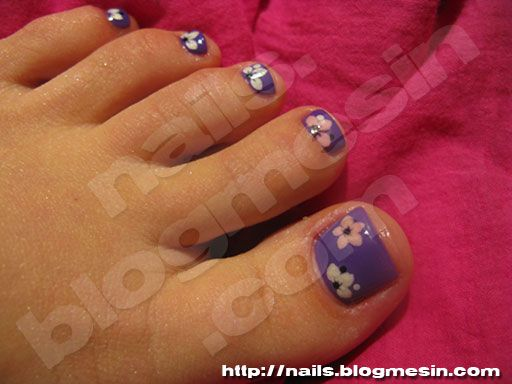 Purple toe nails with pink and white flowers « Nails by Rabbit