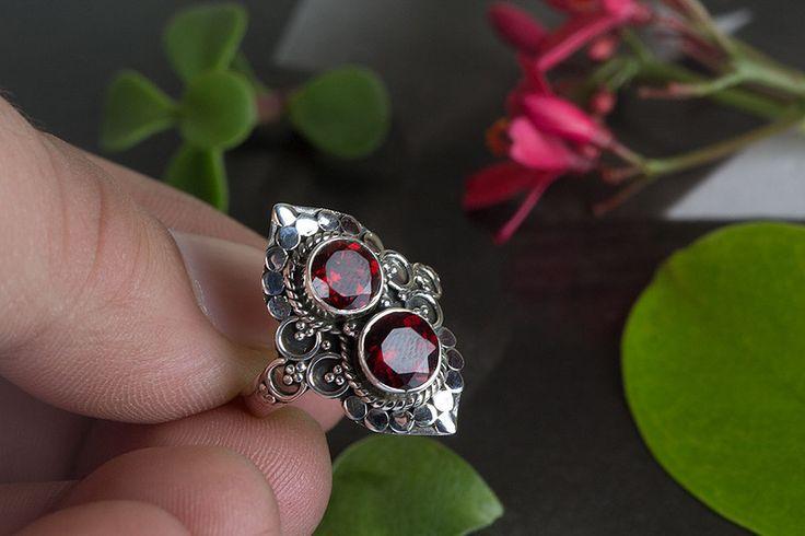 Anillos - Anillo de granate, joyería granate, anillo de decl - hecho a mano por ArtisanJewellery en DaWanda