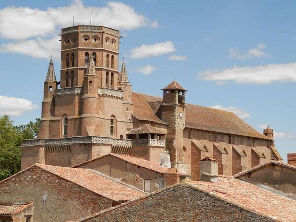 [Lavaur, Capitale du Pays de Cocagne] Site de l'Office de Tourisme http://www.tourisme-lavaur.fr/