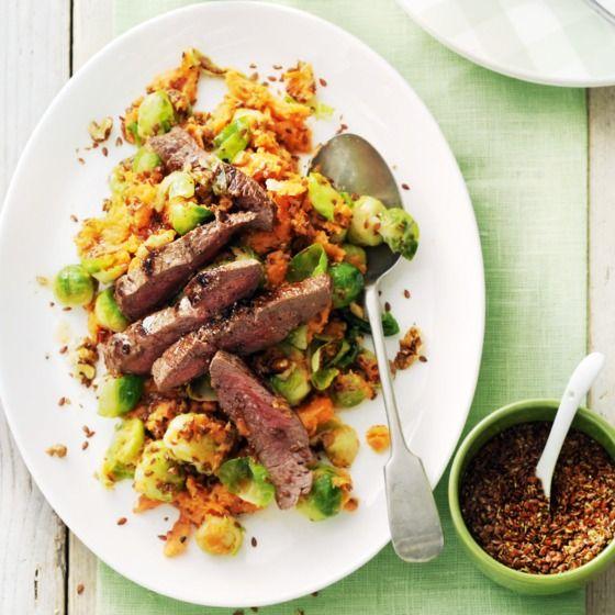 Spruitjesstamppot met walnoten, lijnzaad en biefstuk - Gezond én lekker is deze stamppot met lijnzaad. #recept #powerfood #JumboSupermarkten