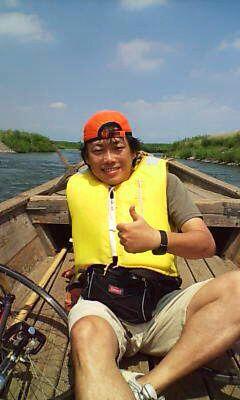 """利根川の渡し船、その最上流にある群馬は""""島村の渡し""""。立派な県道でもある。 この日は自転車で渡りました。対岸からは旗をあげて船を呼びます。 The Shimamura no watashi, Tone River, Gunma Pref."""