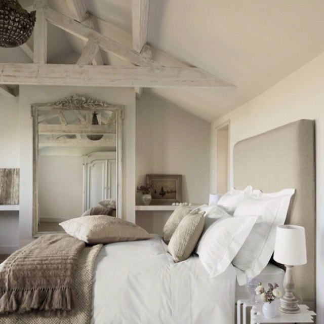 Bedrooms, Ceiling Beams And Arquitetura
