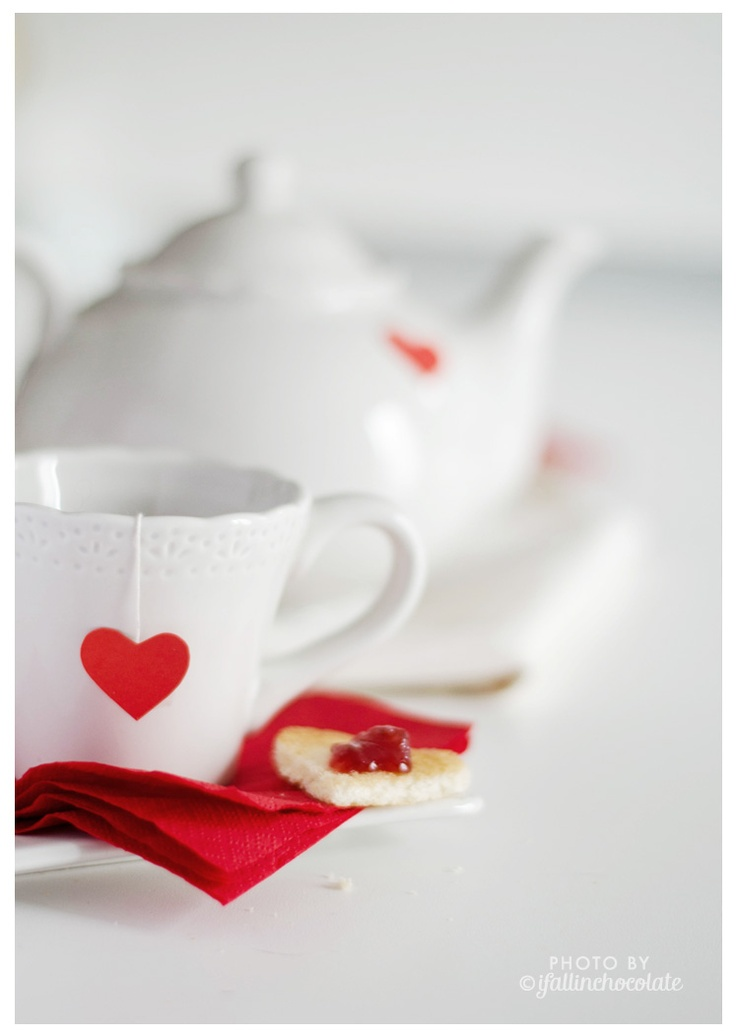 "Breakfast with love, Valentine's day inspiration.  Photo by Camilla Anchisi for ""I fall in Chocolate"" blog"