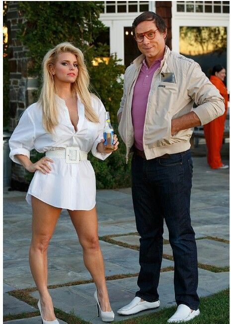 Cutest couple Halloween costume ever, Jessica Simpson And Eric Johnson as Griswold and Brinkley.