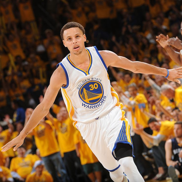 Warriors guard Stephen Curry voted NBA MVP for 2014-15