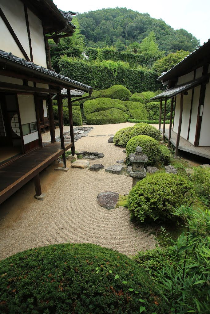 The garden of Raikyuji Temple, Takahashi, Okayama, Japan.  [https://en.wikipedia.org/wiki/Raiky%C5%AB-ji]