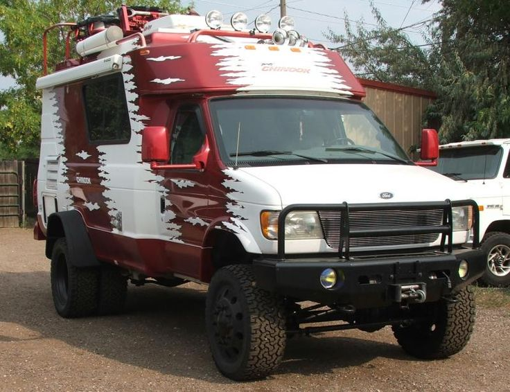 4x4 Ford Chinook RV by Boulder Offroad