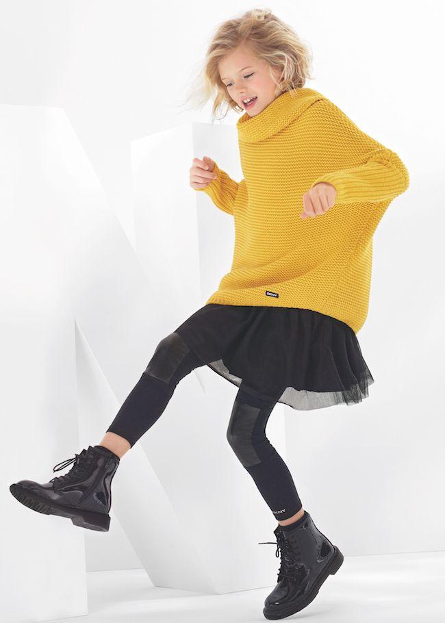 Son pocas las prendas de color que DKNY se permite esta temporada! Personalmente el amarillo me encanta porque me recuerda al sol del verano que tanto añoro en invierno. Para mi un acierto!