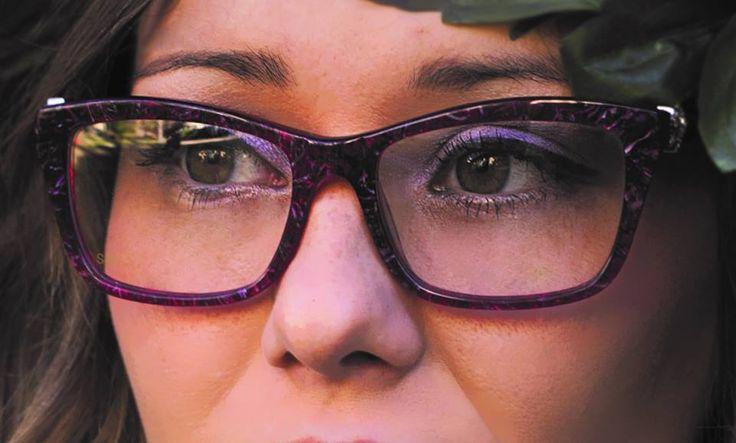 """""""La cosa splendida del parlare con gli occhi è che non ci sono errori grammaticali. Gli sguardi sono frasi perfette."""" [cit. Sorge] . """"The marvellous thing of spleaking with the eyes is that there are no grammar mistakes. Glances are perfect sentences."""" [cit. Sorge]"""