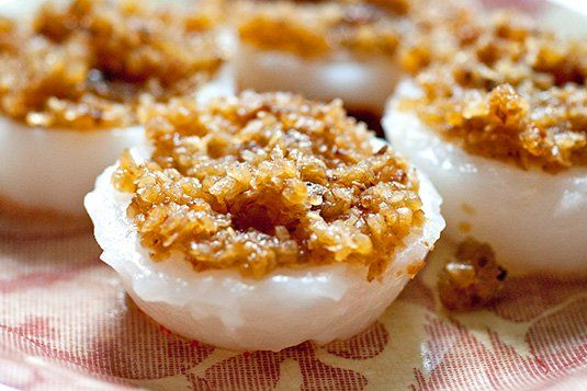 Chwee Kueh 水粿 Water Rice Cakes Recipe By: Kitchen Tigress    ​ Recipe for Chwee Kueh    Ingredients: Kueh for 20 pieces  150 g rice flour...