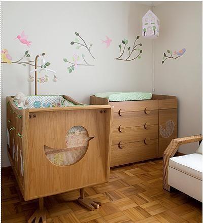 quarto  bebê  madeira http://www.mimoinfantil.com.br/adesivos-para-quarto-de-bebe-gatinho/