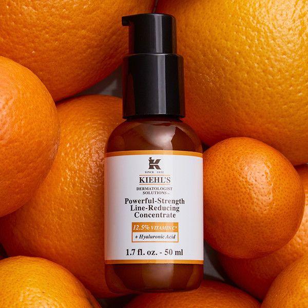 Este es el neceser perfecto para tus escapadas de verano - Foto 7 Vitamin C, Serum, Anti Aging, Glycerin, Hyaluronic Acid, Whiskey Bottle, Line, Strength, Skin Care