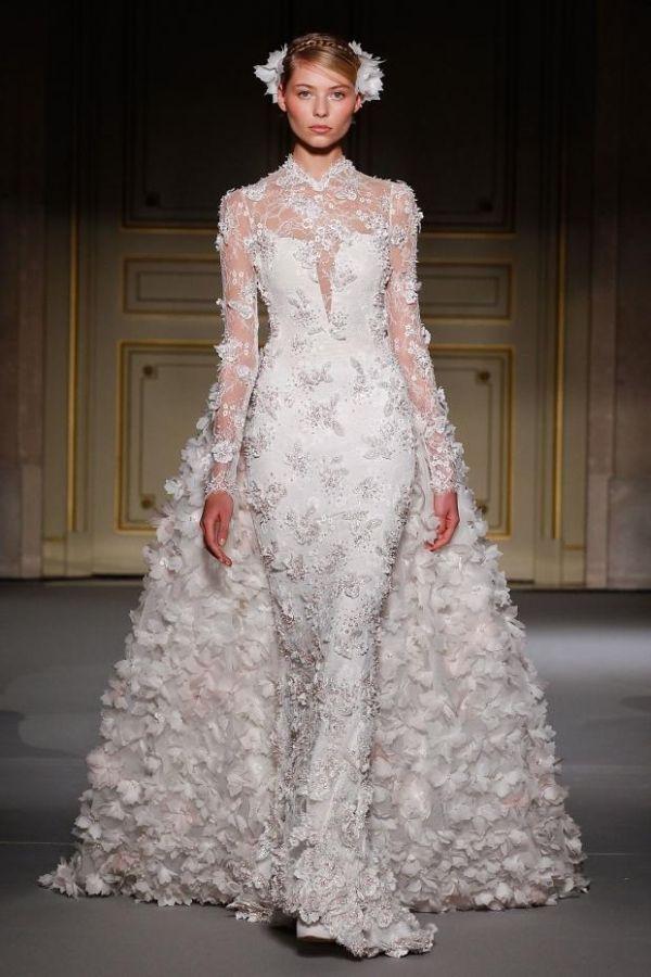 catwalk,fashion http://www.womans-heaven.com/catwalk-bridal-dress/
