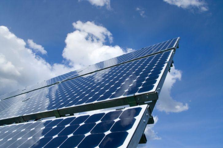 Os pequenos produtores rurais poderão investir em sistemas de geração de energia solar fotovoltaica de maneira mais fácil. O Banco do Nordeste (BNB) lançou uma linha de crédito específica para implantação de sistemas de mini e microgeração de energia solar em propriedades rurais de agricultores familiares, chamada de Agroamigo Sol. Por meio de um método de microcrédito orientado, os empréstimos podem chegar ao valor de até R$ 15 mil, com direito a bônus de adimplência e vantagens especiais…