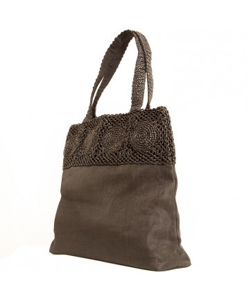 ECO #handbag (pic 4) | Realized with #recycled #plastic and a black veil of #net. #Casual and #elegant. L42xH38xW10cm