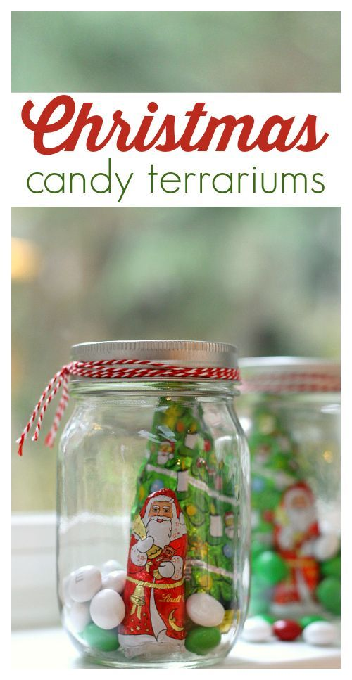 Christmas craft and DIY gift idea. Candy jars - A great DIY gift in a mason jar.