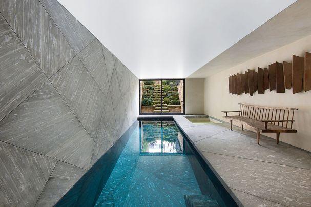 Indoor pool einfamilienhaus  Ein Haus mit vielen Kapiteln | Kensington house, Indoor pools and ...