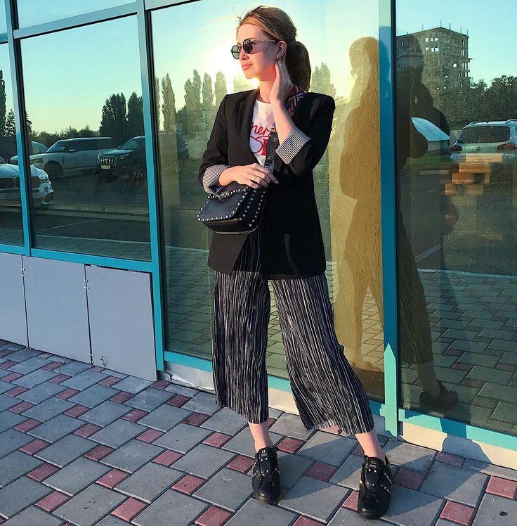 365 отметок «Нравится», 1 комментариев — Стилист. Имиджмейкер (@alexandra_gazinskaya) в Instagram: «Hello Sunday 👋🏻»