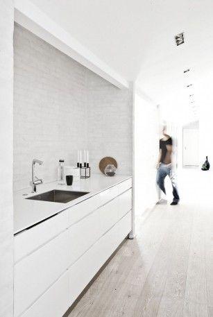 Maagdelijk witte keukens | roomed.nl
