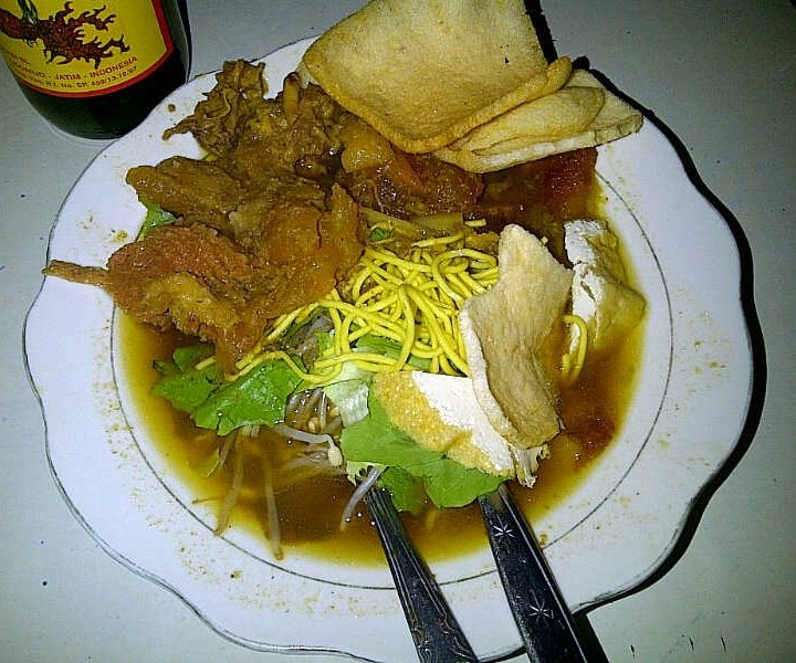 Tahu Campur adalah makanan favorit ke 3 di #Surabaya lho :)