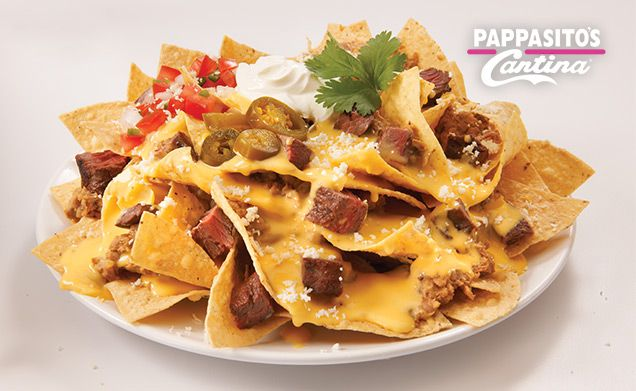 Pappasito's Cantina - Chicken or Beef Fajita Nachos. WANT.