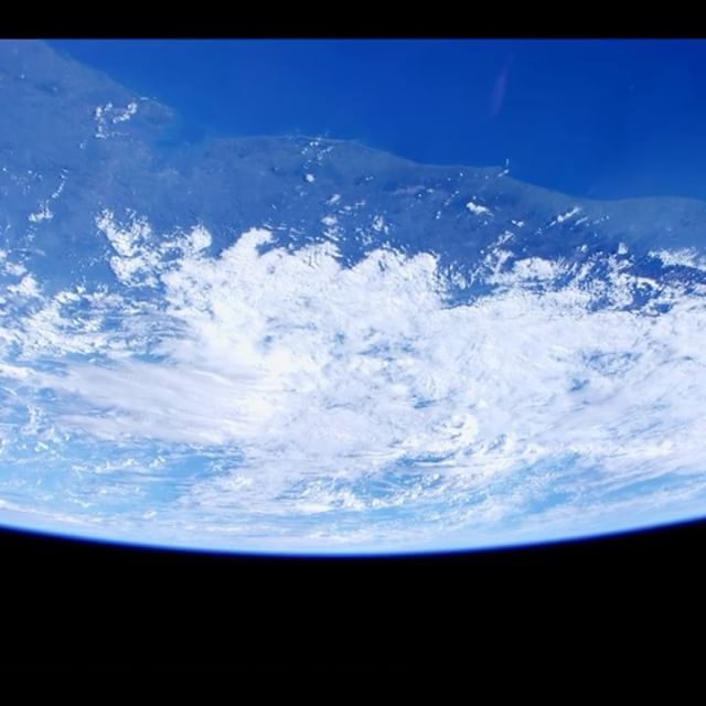 The International Space Station provides us with unparalleled views of our home planet. Experience the majesty of Earth with ultra high definition footage captured, last year, on the space station. Follow the link in our profile to watch Earth views in stunning 4K!  Video courtesy of NASA  #space #astronaut #nasa #Earth #EarthArt #planet