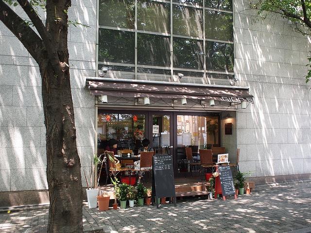cafe gion / hawk i really love sweet little cafes