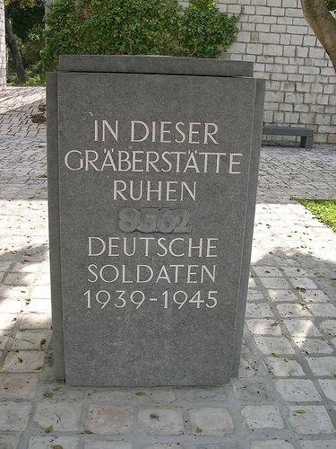 El Cementerio Militar Alemán de Bordj Cedria se encuentra a unos treinta kilómetros al sur-este Túnez. Estan enterrados 8,562 soldados alemanes muertos en acción o como prisionero de guerra durante la Campaña de Túnez (Noviembre de 1942 De mayo 1943). Inicialmente estavan enterrados en 6 cementerios diferentes: Naâssen, Bizerte, Mornaguia, El Mdou, Mateur y Sfax. Algunos estaban enterrados directamente en los campos de batalla repartidos por todo el país.