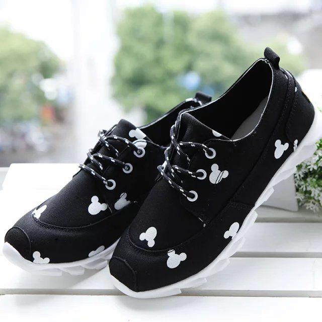 Print Canvas White Black Shoes