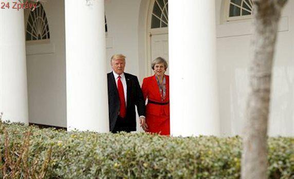 Bílý dům několikrát popletl jméno britské premiérky. Zaměnil jí za pornoherečku