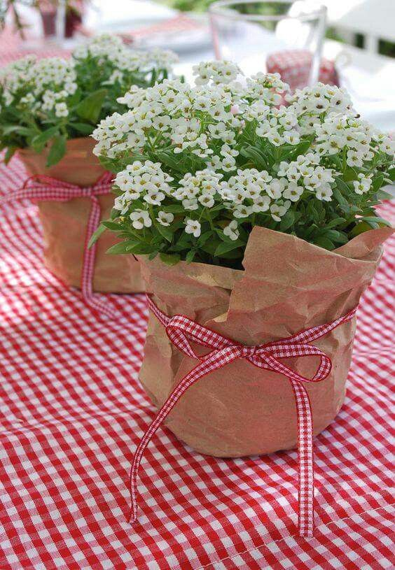 I love red, but I would use a different color for the gingham, but the idea is cute.