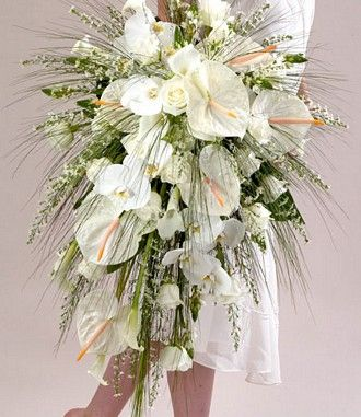 <3! THIS is glorious for the bride who loves a trailing style. Modern, packed with beauty. Tropical but great for any formal gown & venue.