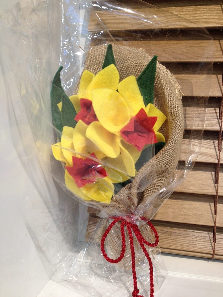 Felt Easter flowers with hessian wrap.