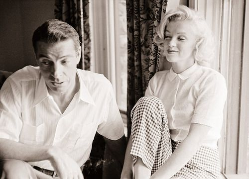 Marilyn Monroe and Joe Dimaggio, 1953.