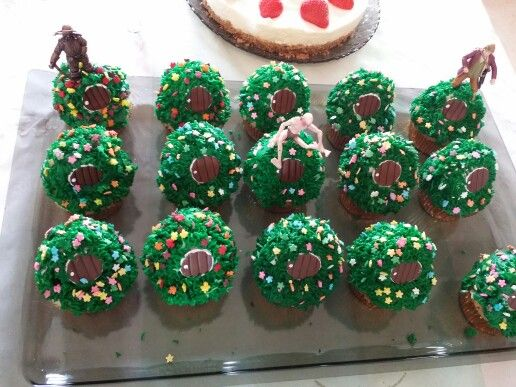 Hobbit cupcakes