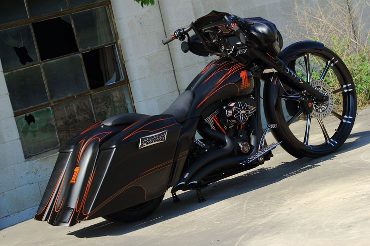 Custom Road Glide Baggers | 2011 Street Glide Custom Bagger – Stealth Glide | The Bike Exchange