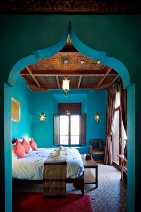 Dormitorio turquesa #Estilo_árabe #Morocco_style Visit My Bedroom Retreat. Bedding Sets (Comforter Sets, Duvet Cover Sets, Body Support Pillows) displayed by Home Decorating Styles great for your next Bedroom Makeover. http://www.mybedroomretreat.com