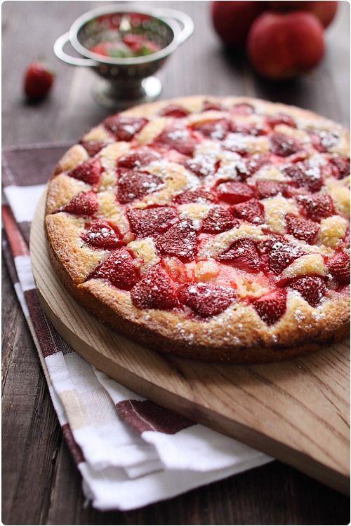 Gâteau pommes et fraises, recette pour 6 à 8 personnes (2 petites pommes et 250 à 300g de fraises)