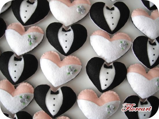 Lembrancinha de feltro para noivos.