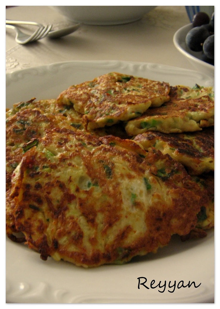 mücver- zucchini with dill,egg and flour