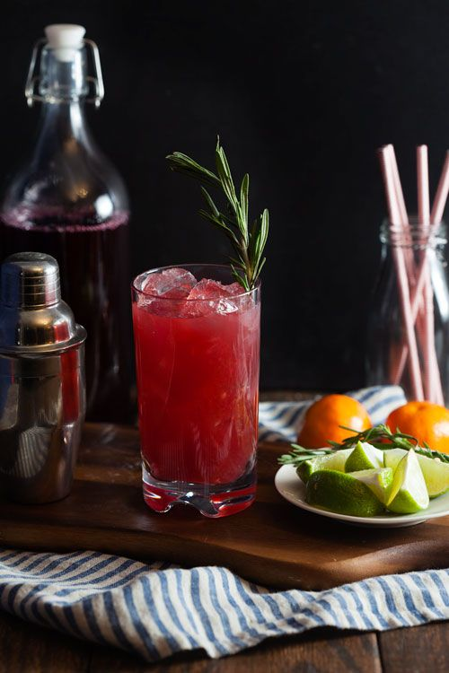 Sparkling Cranberry-Clementine Gin Cocktails with Rosemary ...