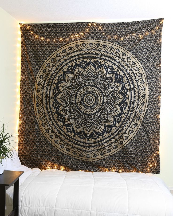 Best 25 black gold bedroom ideas on pinterest black and for Space themed tapestry