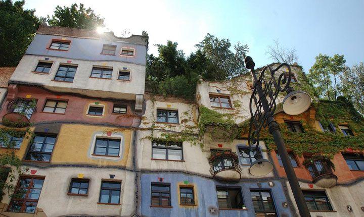 Quando l'edilizia sociale incontra le Archistar. Case popolari (Vienna 1985) architetto e artista Friedensreich Hundertwasser