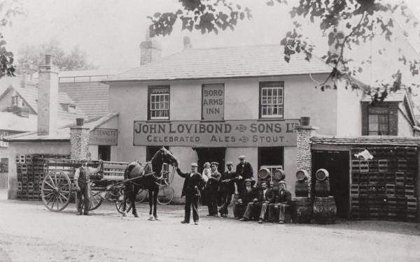 The Borough Arms, Andover, c.1900.