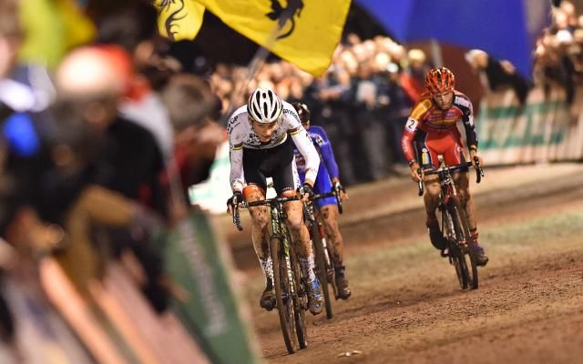 Superprestige de cyclo-cross: nouvelle victoire du Néerlandais Mathieu Van der Poel à Diegem -                  Le Néerlandais Mathieu Van der Poel a remporté la 6e des 8 manches du Superprestige en cyclo-cross dimanche à Diegem. Le coureur de BKCP-Corendon, déjà vainqueur en 2014, s'est imposé comme samedi lors de sa victoire en Coupe du monde à Heusden-Zolder devant Kevin Pauwels et son compatriote Lars van der Haar.